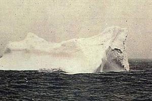 Tàu Titanic chìm không chỉ vì một tảng băng trôi