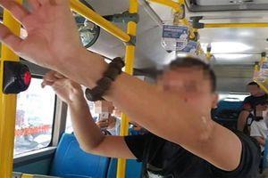 Người đàn ông thủ dâm trên xe buýt: bệnh hoạn thế nào?