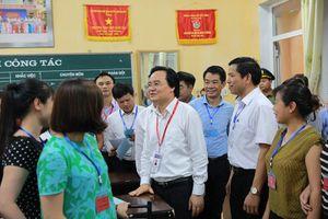 Bộ trưởng Phùng Xuân Nhạ đặc biệt lưu ý an toàn trường thi