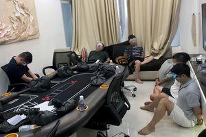 Bắt sòng bạc poker tại chung cư hạng sang ở Sài Gòn