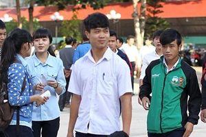 Rò rỉ hình ảnh 'ngố tàu' của dàn tuyển thủ Việt Nam thời còn đi học, 'mặn' nhất là Công Phượng