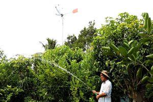 Lão nông miền tây chế tạo điện gió sinh hoạt, tiết kiệm tiền triệu mỗi tháng