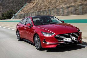 Hyundai Sonata 2020: Đủ sức 'cạnh tranh sòng phẳng' với Toyota Camry, Honda Accord?