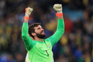 Chưa đá chung kết Copa America, thủ thành Brazil đã đoạt danh hiệu