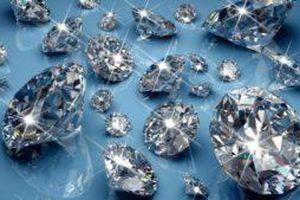 Bán hàng trăm viên kim cương, thu 240 tỷ đồng sau một buổi đấu giá