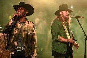 Top 10 ca khúc trụ vững vị trí No.1 lâu nhất trên Billboard: Old Town Road vẫn còn phải thua 2 bản hit này!