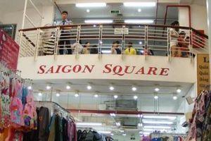 Thu giữ hàng nghìn sản phẩm giả mạo nhãn mác thương hiệu nổi tiếng tại Trung tâm thương mại