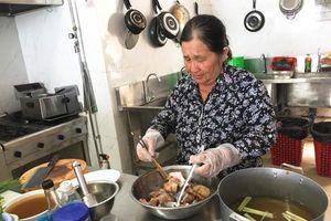 Những món ăn đậm đà hương vị biển: Canh chua cá tương me Phước Hải