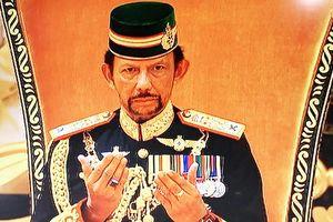 Bất ngờ dự lễ mừng sinh nhật vị vua giàu có sống xa hoa bậc nhất thế giới