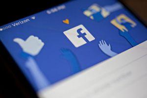 Facebook tiếp tục tăng trưởng người dùng bất chấp vô số bê bối