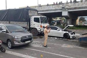 Tai nạn liên hoàn trên QL1, giao thông ùn tắc kéo dài