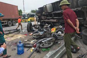 Xe tải lật, đè chết 5 người: Phanh hỏng, tài xế cho ô tô ép vào dải phân cách?