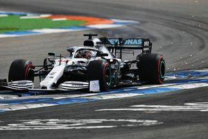 Lewis Hamilton giành pole chặng F1 tại Đức