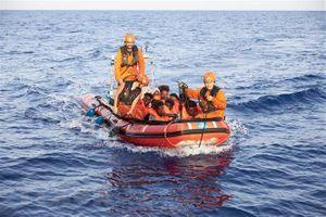 Italy từ chối tiếp nhận những người di cư được cứu trên biển