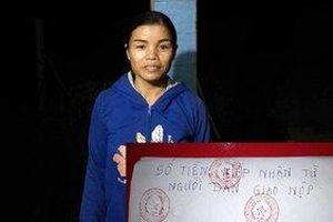 3 người phụ nữ nhặt được hơn 50 triệu đồng, giao nộp công an nhờ trả lại người mất
