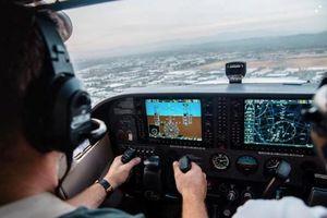Phi công có được 'làm việc riêng' khi lái máy bay?