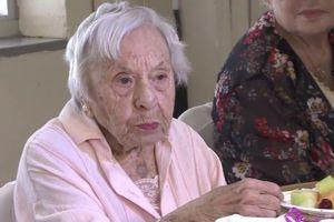 Cụ bà 107 tuổi khoe bí quyết sống lâu: Tôi chưa bao giờ kết hôn