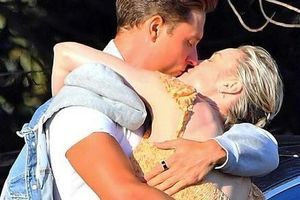 'Captain Marvel' Brie Larson hôn đắm đuối bạn trai mới trên phố