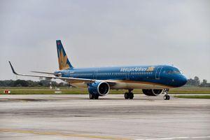 Hàng loạt chuyến bay phải điều chỉnh do ảnh hưởng của bão số 3