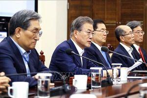 Tổng thống Hàn Quốc họp khẩn nội các sau khi bị Nhật Bản gạt khỏi 'Danh sách Trắng'