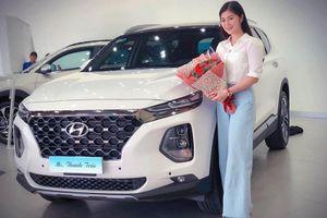 Thanh Trúc 'tậu' Hyundai Santa Fe 2019 hơn 1 tỷ đồng