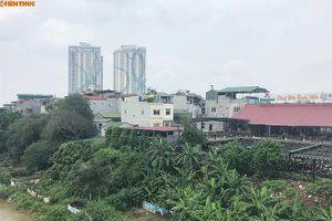 Tận mục quán nhậu 'qua mặt' phường xây lấn chiếm hành lang thoát lũ sông Hồng
