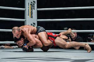 Lò MMA đáng sợ nhất Philippines thua nặng nề trên sân nhà