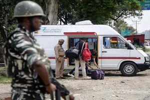 Ấn Độ ồ ạt đưa hàng ngàn binh sĩ đến khu vực tranh chấp với Pakistan