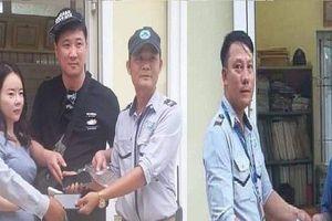 Nhân viên đội Quản lý du lịch biển hai lần trả tài sản gần 100 triệu đồng cho khách ngoại quốc