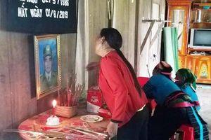 Xót xa đám tang trong lũ của người Trưởng công an xã tận tâm