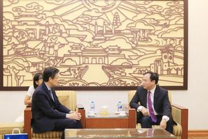 Thứ trưởng Bộ Xây dựng Nguyễn Văn Sinh tiếp xã giao Chủ tịch Hiệp hội Tài chính Công tư Nhật Bản