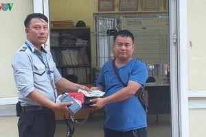 Một nhân viên BQL Bán đảo Sơn Trà 2 lần trả lại tài sản cho du khách