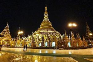 Myanmar: Choáng ngợp ngôi chùa 2.500 tuổi, gắn 4.531 viên kim cương, dát 90 tấn vàng