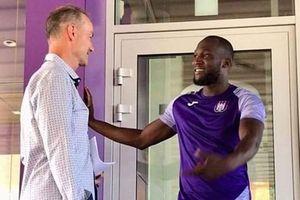 Romelu Lukaku tập nhờ ở đội bóng cũ, chờ ngày chia tay MU
