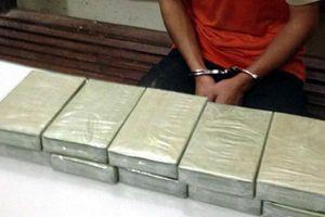Liều lĩnh vượt biên giới mua 10 bánh heroin về nội địa tiêu thụ