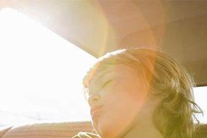 Quên trẻ trên xe, 'điểm mù não bộ' và cách khắc phục của nhà thần kinh học người Mỹ