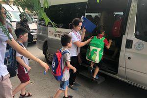 Các trường đồng loạt siết chặt quy trình đưa đón học sinh