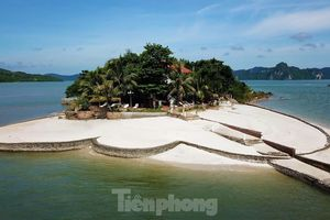 Cận cảnh biệt thự, đặc khu giữa vịnh Bái Tử Long