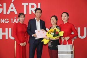 Địa ốc Đất Việt trao sổ cho khách hàng tại Dự án Khu dân cư An Ngãi
