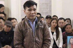 Châu Việt Cường khóc nức nở tại tòa khi luật sư nhắc đến mẹ