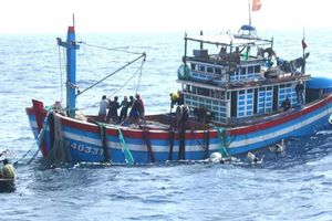5 tàu cá bị nạn trên biển, một ngư dân mất tích
