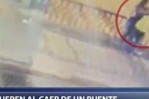Cặp tình nhân ngã chết khi đang ôm hôn trên cầu