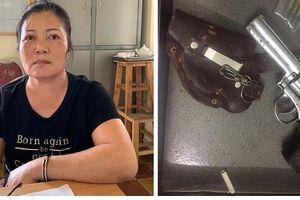 Bắt 'bà trùm' tàng trữ vũ khí quân dụng, chuyên nhận 'con nuôi' để sai đi bán ma túy