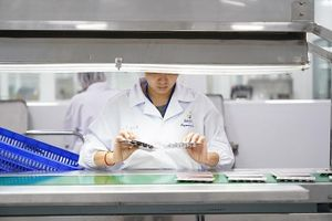 Sanofi là đơn vị dược đa quốc gia đầu tiên tại Việt Nam được phép nhập khẩu thuốc trực tiếp