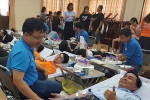 500 người hiến máu tình nguyện