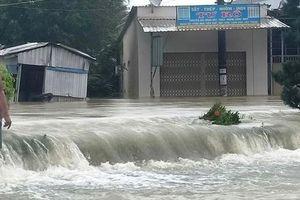Hình ảnh, clip Phú Quốc 'chìm' trong biển nước có nơi ngập sâu 2-3 mét