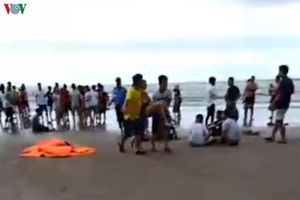 5 du khách bị sóng cuốn tử vong khi tắm biển ở Bình Thuận