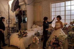 Phụ nữ Nhật Bản tự tổ chức đám cưới với chính mình