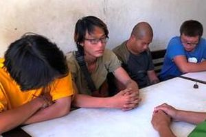 Đà Nẵng: Đột kích quán bar chuyên phục vụ người nước ngoài, phát hiện 11 người đang 'phê' cần sa