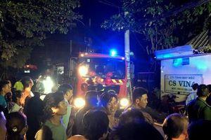 Cháy lớn công ty may mặc ở TPHCM, nhiều máy móc bị thiêu rụi